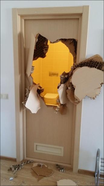 140208_OLYMPICS_DOOR