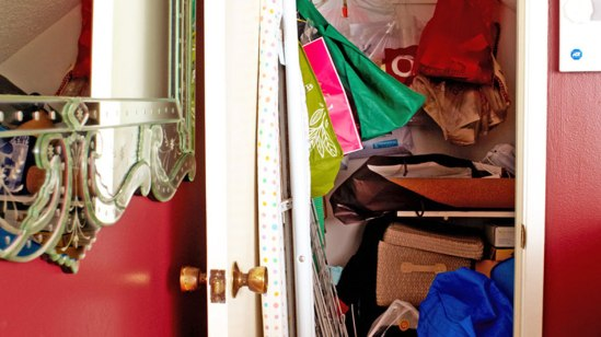 201208-omag-makeover-closet-before-949x534