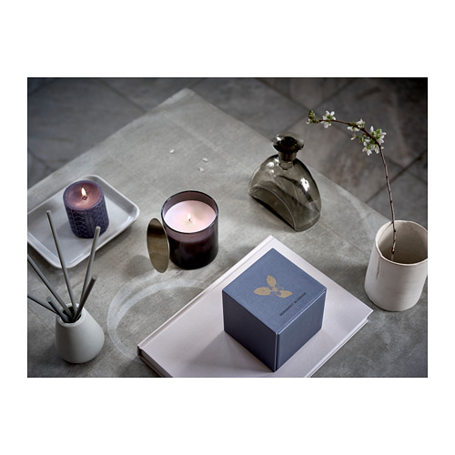 njutning-scented-candle-in-glass-gray__0554673_PE659896_S4